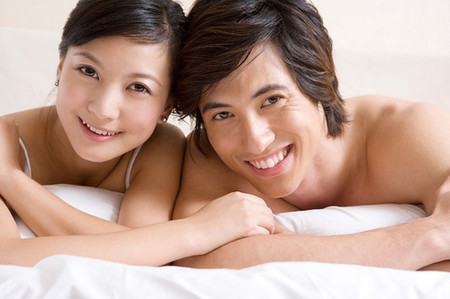 Hâm nóng tình cảm vợ chồng là bí quyết để vợ chồng thêm gắn bó.