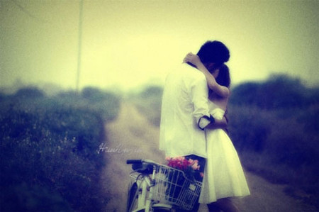 Chúng tôi hạnh phúc khi ở bên nhau.