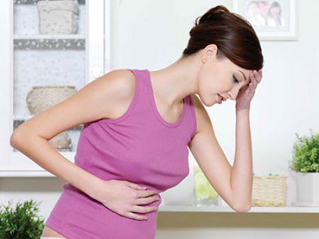 Nôn ói, ợ hơi, táo bón, chuột rút hoặc tiểu lắt nhắt là những triệu chứng thường thấy trong thời gian mang thai.