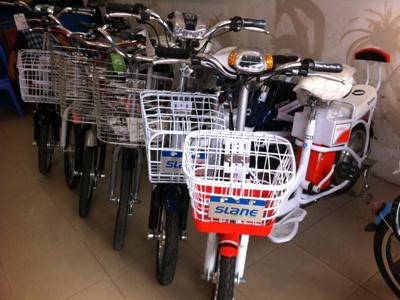 Mặt hàng xe đạp điện đang rất sôi nổi