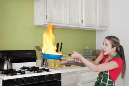 Chuyện bếp núc của nàng Thái đành bó tay.