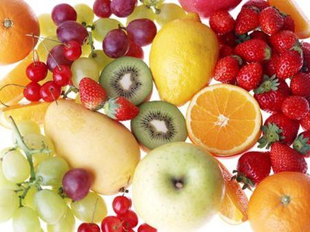 loại trái cây và rau quả có màu sáng trong chế độ ăn uống thường xuyên của bạn để tăng cường chất chống oxy hóa cho cơ thể.