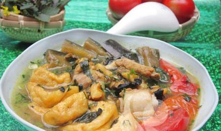 Vị ngon, giòn, nóng hổi của món ốc bung cà tím thật hấp dẫn.