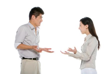 Nói chuyện và trao đổi rõ ràng những quan điểm cần thiết để có cuộc sống thoải mái.