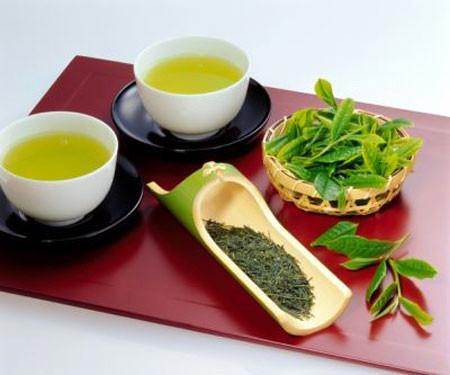 Trong trà xanh chứa EGCG và Theaflavins, có tác dụng điều hòa lượng đường trong máu.
