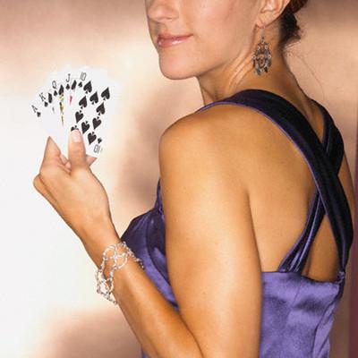 Vợ tôi bắt đầu ăn diện, tụ tập bạn bè và bài bạc
