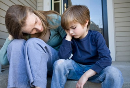 Đôi lúc có những tình huống cha mẹ phải bối rối, thậm chí xấu hổ vì con.