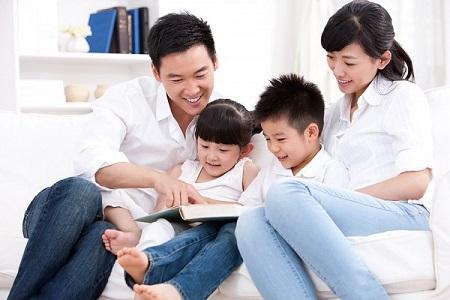 Giáo dục những giá trị đúng đắn về đạo đức cho con là một trong những trách nhiệm quan trọng nhất của những người làm cha làm mẹ
