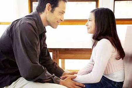 Hãy mang lại cho con tình cảm ấm áp của một người cha.