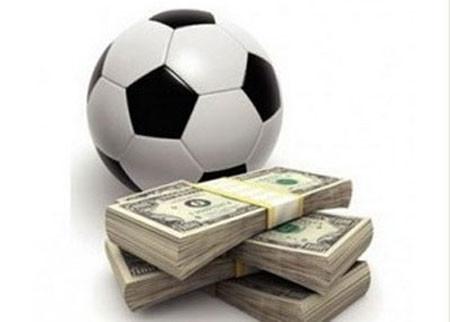 chơi cá độ bóng đá, tất cả tiền bạc vợ chồng tôi làm bao nhiêu năm nay đã thua sạch.