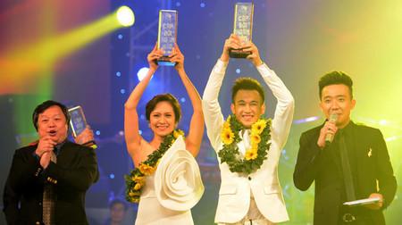 Dương Triệu Vũ và Thanh Thúy nhận giải quán quân cặp đôi hoàn hảo 2013