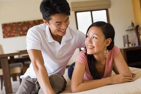 Hạnh phúc là khi vợ chồng cùng nhau chia sẻ.