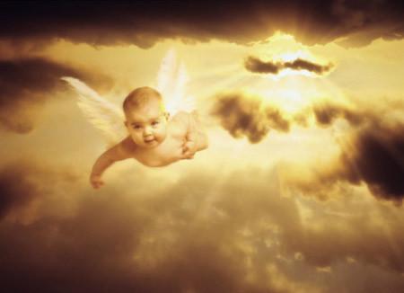 Ở nơi ấy luôn bình yên con nhé. Thiên thần của mẹ
