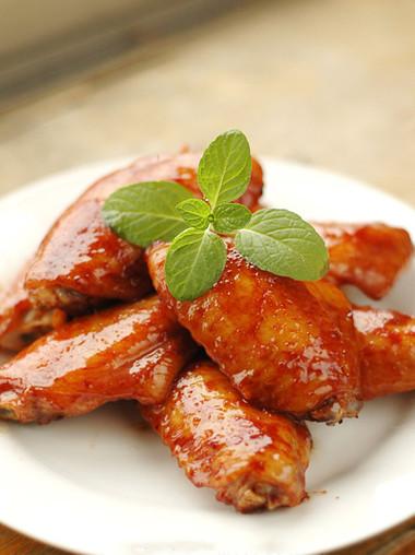 Cánh gà nướng kiểu này mềm thơm đậm vị, vừa có thể ăn cùng cơm lại vừa có thể dùng làm món ăn nhậu