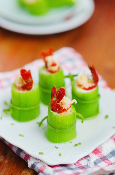 Bắt đầu là cái ngọt lịm của mướp, đến cái mềm thanh của trứng và kết thúc bằng cái ngọt dai của tôm thịt.