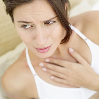 người bị ợ nóng thường xuyên có nguy cơ mắc bệnh ung thư cổ họng và thanh quản cao