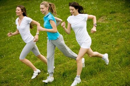 Vận động thể dục sẽ giúp bạn giữ được thân hình cân đối.
