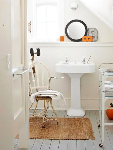 Bí quyết giúp phòng tắm nhỏ luôn gọn gàng, bừng sáng 8