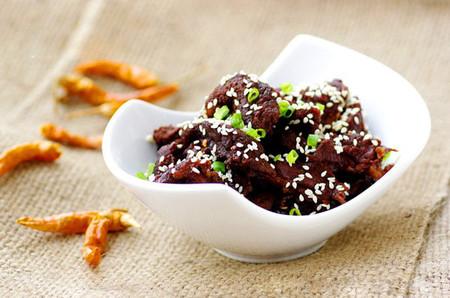 Bạn sẽ cảm thấy ấm bụng với vị cay xé của ớt, cay nồng của gừng và cay thơm của tiêu sọ dậy lên khi thưởng thức.