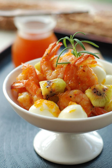 món tôm rim trứng cút có đủ vị chua cay mặn ngọt hấp dẫn.