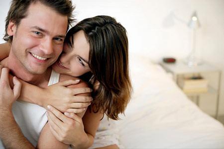 cô ấy nồng nhiệt, yêu thích khi gần tôi nhưng chỉ hôn và quan hệ truyền thống, không muốn thay đổi.