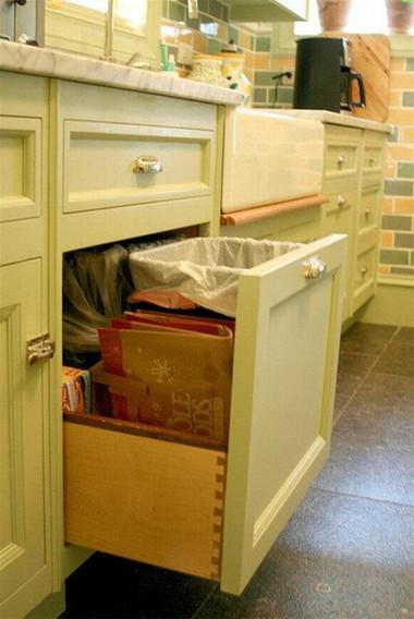 Người nội trợ không cảm thấy mệt mỏi khi nấu nướng bởi đồ đạc cần dùng được sắp xếp rất thông minh