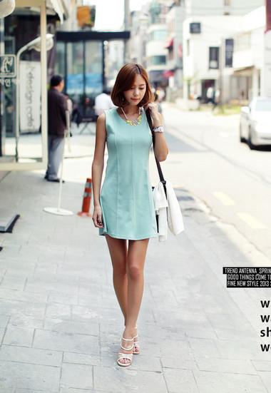 Váy đơn sắc 1