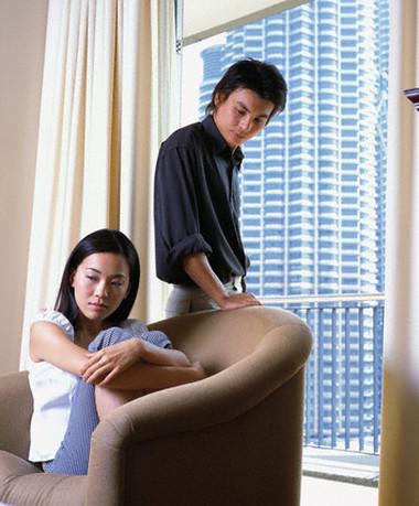 Mệt mỏi khi chưa có con mà vợ chồng luôn xẩy ra những cãi vã.