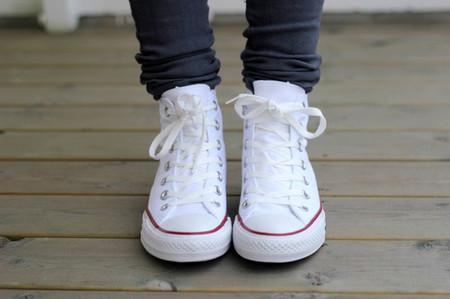 4. Giày thể thao trắng 1