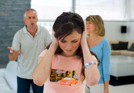 Bố mình nói tùy vào quyết định của mình, nếu cưới bố mẹ sẽ cưới cho còn bố mẹ hoàn toàn không đồng ý.