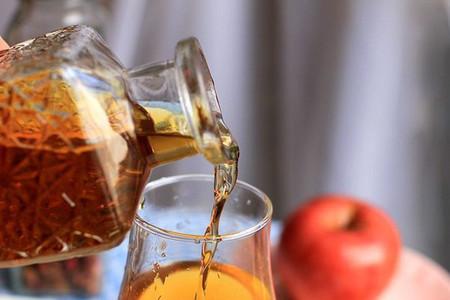 Gội đầu bằng baking soda và giấm táo 1