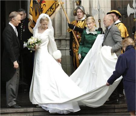 Áo khoác cho cô dâu những ngày rét đậm 10