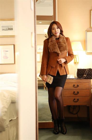 Mẫu áo khoác dạ nữ dáng ngắn đẹp và mốt nhất mùa đông 2013 - 2014  11