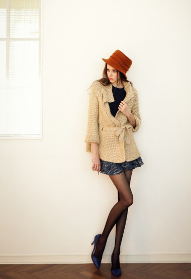 2. Áo khoác len nữ 4