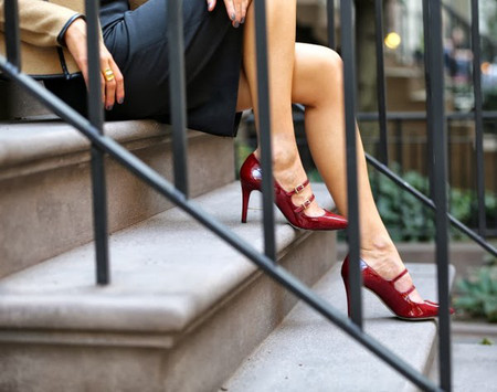 1. Giày mũi nhọn trơn màu 2