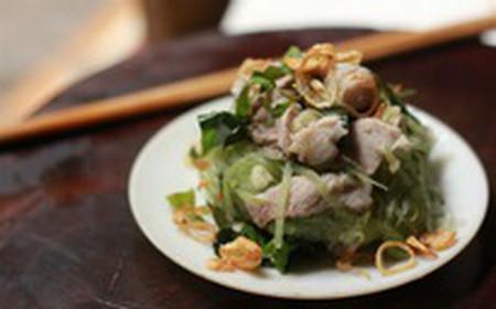 Nộm bí đao là món ăn giàu chất xơ, rất phù hợp với người muốn giảm cân.