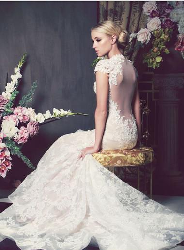 1. Một chiếc váy biết