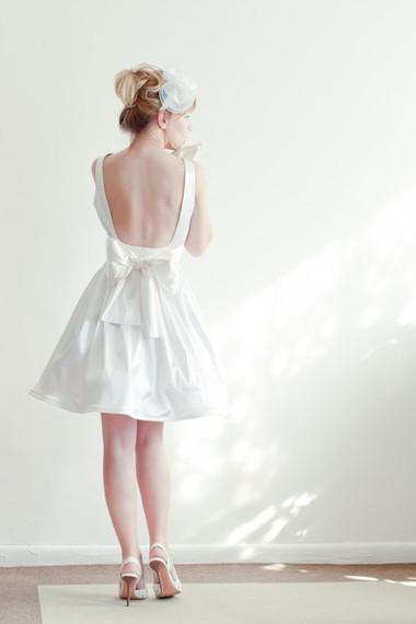2. Chọn chân váy phù hợp vóc dáng 1