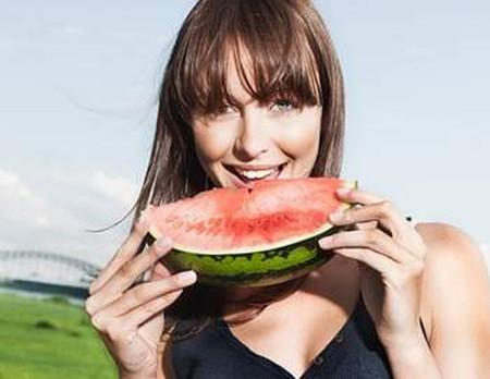 Ăn dưa hấu giúp hạ huyết áp và giảm căng thẳng lên tim 2