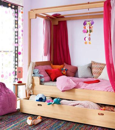 Biến gầm giường thành không gian lưu trữ đồ 3