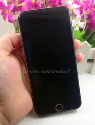 Mặt trước của iPhone 6 phiên bản màu xám.