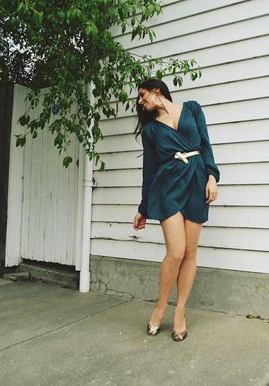 4. Mặc váy quấn 1