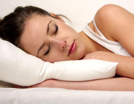 Giấc ngủ được cải thiện nhờ ngâm chân với nước giấm.