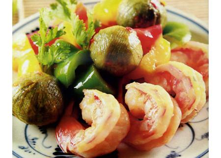 Món tôm rang sấu chắc chắn sẽ khiến cả nhà thích mê bởi hương vị thơm ngon, lạ miệng của nó!