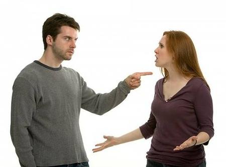 Tôi cảm thấy ghê sợ hành động của chồng mình 1