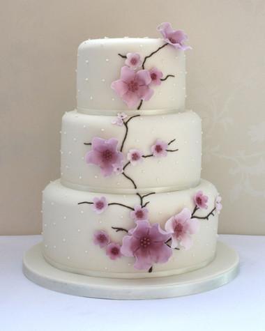 Những mẫu bánh cưới hấp dẫn các cặp đôi trong đám cưới Thu Đông 2014 11