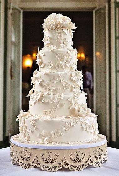 Những mẫu bánh cưới hấp dẫn các cặp đôi trong đám cưới Thu Đông 2014 12