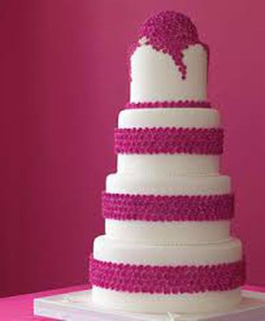 Những mẫu bánh cưới hấp dẫn các cặp đôi trong đám cưới Thu Đông 2014 14