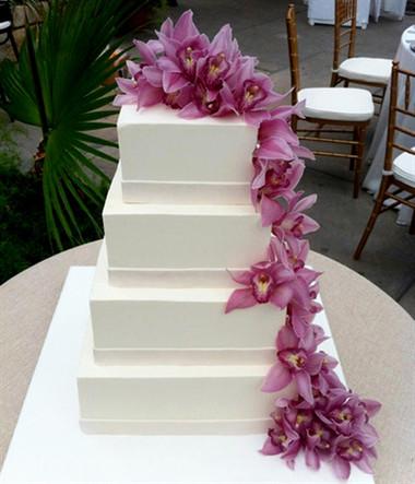 Những mẫu bánh cưới hấp dẫn các cặp đôi trong đám cưới Thu Đông 2014 16
