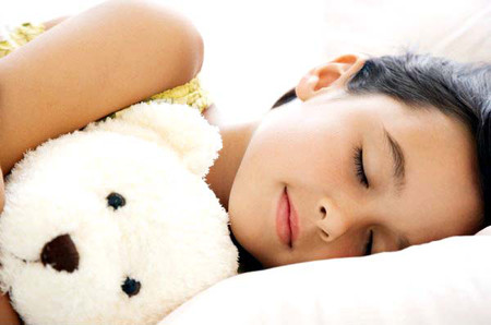 Gối đầu thấp và thư giãn trước lúc ngủ giúp ngủ ngon hơn 1